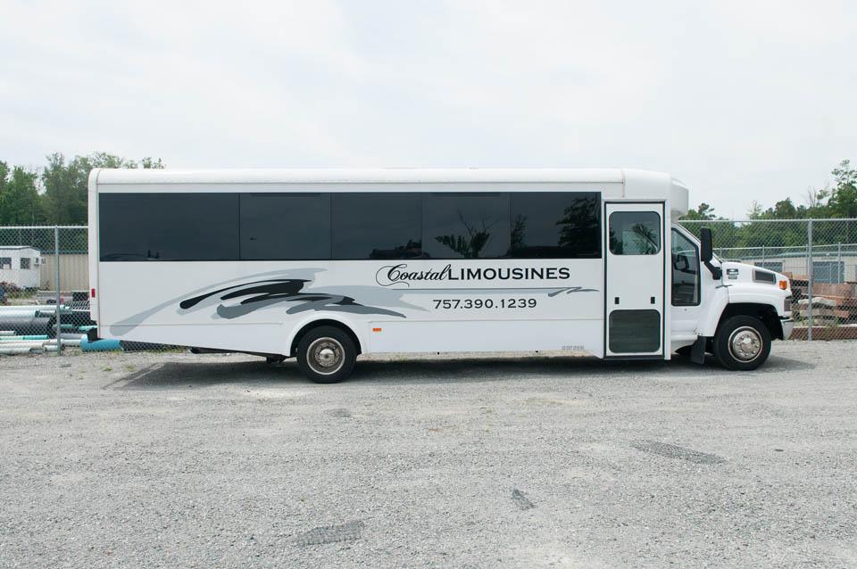exec-whitebus-2