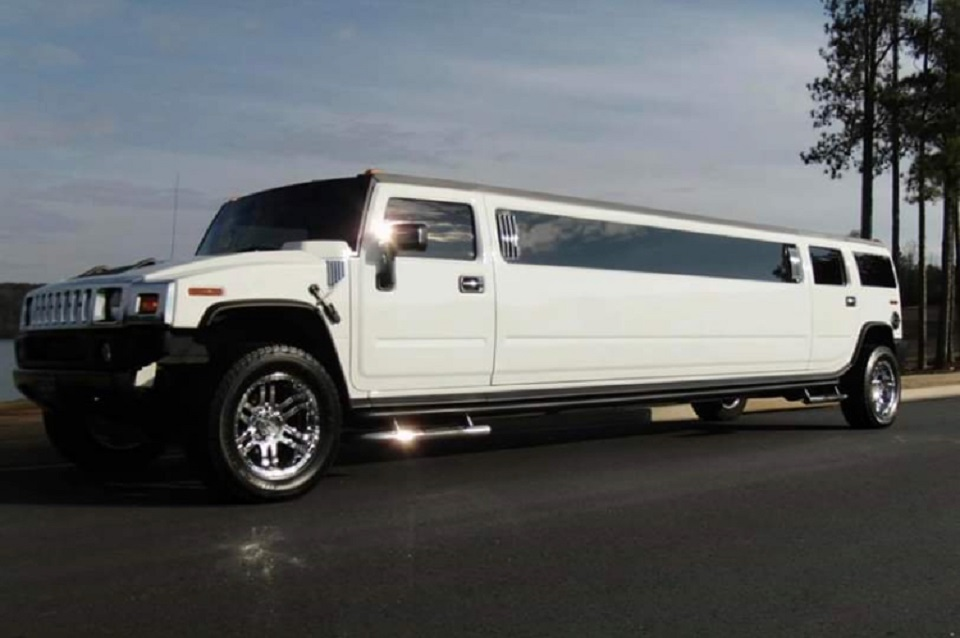 white stretch hummer limo